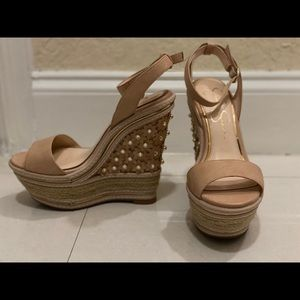 JESSICA SIMPSON NUDE TAN HIGH WEDGE FLOWER SANDALS